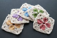 "meladorascreations: ""#freecrochetpattern #crochet Cathedral Motif http://www.ravelry.com/projects/kaitybee/knapsack-cover Pin it https://www.pinterest.com/pin/159666749265126902/ """