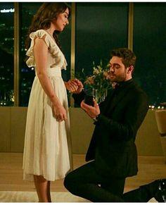 benimle evlenir misin 🖤 Series Movies, Tv Series, Love Couple, Turkish Actors, Anastasia, Jackson, White Dress, Ship, Actresses