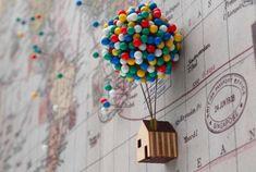 Buntes Ballon-Pin-Haus aus Holz interessante und praktische Möglichkeit Vintage-Weltkarte  schöne Erinnerungen