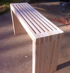 DIY Project: Make Your Own Slatted Console Table #diysofatableplans
