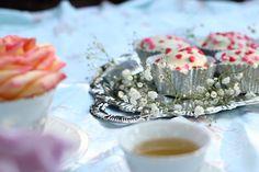 """Bastidores do ensaio """"Chá Retrô"""" - Na Garupa da Vespa  #picnic #vintagepicnic #picnicphotoshoot #flowers"""