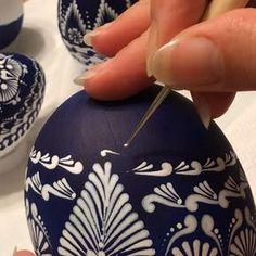"5 Likes, 1 Comments - Gitka Schmidtova (@gitkaschmidtova) on Instagram: ""Work in progress... #art #slovakart #acrylic #painting #pysanky #pisanki #пасха #пасхальныеяйца…"""