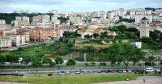 """6.5 milyon konut yıkılacak  Çevre ve Şehircilik Bakanlığı'nın Esenler Belediyesi ile ortaklaşa düzenlediği """"Uluslararası Kentsel Dönüşüm Sempozyumu'nda konuşan Muhammmet Balta, 6,5 milyon konutun kentsel dönüşüm kapsamında yıkılacağını söyledi  http://www.portturkey.com/tr/emlak/34970-65-milyon-konut-yikilacak"""