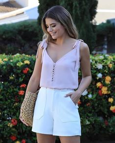 New Look Chic Outfits Short Outfits, Chic Outfits, Trendy Outfits, Fashion Outfits, Moda Chic, Casual Chic, Shirt Blouses, Casual Looks, Casual Dresses