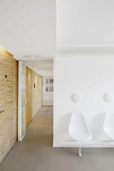 Dental Clinic in Torrelles / Sergi Pons