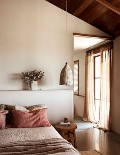 Spanish-Influenced Australian Homestead In The Byron Hinterlands Among an orchard of macadamias, The Range is a lesson in adaptive reuse, recycling, and connection to place for Emma and Tom of The Farm. Home Bedroom, Room Decor Bedroom, Bedroom Signs, Master Bedrooms, Bed Room, Bedroom Ideas, Black Bedrooms, Bedroom Quotes, Bedroom Rustic
