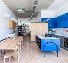 Hølte opens Hackney design studio for customising IKEA kitchens Kitchen Showroom, Kitchen Interior, Design Lab, Design Trends, Kitchen Carcasses, Terrazo, Cocinas Kitchen, Studio Kitchen, Bespoke Kitchens