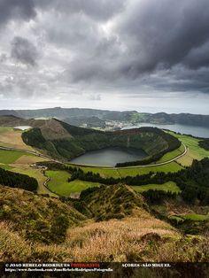 A Lagoa de Santiago é uma lagoa portuguesa, localizada na ilha de São Miguel, arquipélago dos Açores, no município de Ponta Delgada e está relacionada com a formação vulcânica do Maciço das Sete Cidades. PORTUGAL