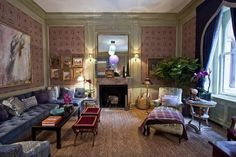 This week the annual Kips Bay Decorator Show House, the big kahuna of design events, opened in a landmarked Madison Avenue. Style At Home, Home Design, Houses In America, Modern Family Rooms, Mid Century Living Room, Boutique Interior, Dream Rooms, Interior Design Services, Interior Inspiration