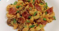 Sajtkrémes-kolbászos tészta   APRÓSÉF.HU - receptek képekkel Pasta Salad, Chili, Bacon, Chicken, Ethnic Recipes, Food, Crab Pasta Salad, Chile, Essen