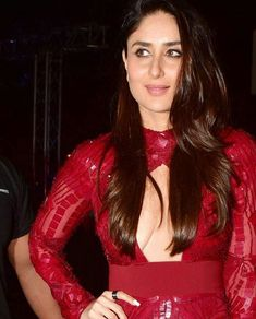 Kareena Kapoor Khan More Indian Deities ^^ Touch here for Free Webcams/Chat Bollywood Actress Hot Photos, Indian Bollywood Actress, Beautiful Bollywood Actress, Most Beautiful Indian Actress, Bollywood Fashion, Indian Actresses, Bollywood Bikini, Kareena Kapoor Bikini, Kareena Kapoor Khan