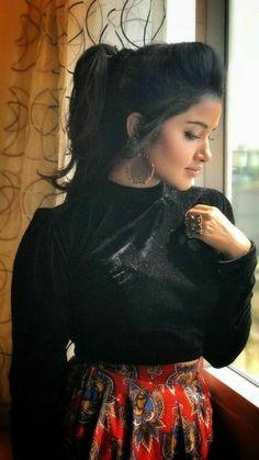 Beautiful Girl Wallpaper, Beautiful Girl Makeup, Beautiful Girl Photo, Cute Beauty, Beautiful Girl Indian, Most Beautiful Indian Actress, Beauty Full Girl, Dehati Girl Photo, Girl Photo Poses