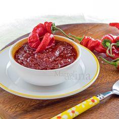 CONFETTURA DI PEPERONCINI  #confettura #peperoncini #peperoni #formaggi #microonde #ricettafacile #ricettavegetariana