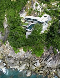Villa Amanzi, Phuket, 2010 http://bit.ly/y3Mgdw #architecture #archilovers #landscape