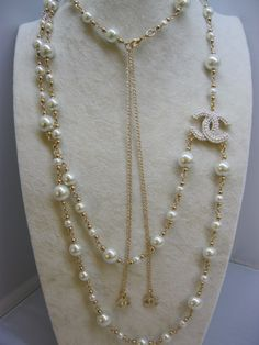 Chanel Pearls Necklace Jewellery with Logo Chanel Pearl Necklace, Chanel Pearls, Chanel Jewelry, Pearl Jewelry, Jewelry Necklaces, Fine Jewelry, Chanel Chanel, Chanel Bags, Chanel Handbags