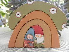 Wooden Gnome Home Mushroom Stacker Habitat Wooden Animal Toys, Wood Toys, Natural Toys, Woodworking Toys, Waldorf Toys, Montessori Toys, Wooden Diy, Diy Toys, Gnomes