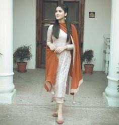 Image may contain: one or more people and people standing Patiala Suit Designs, Kurta Designs Women, Kurti Designs Party Wear, Salwar Designs, Dress Designs, Simple Pakistani Dresses, Indian Gowns Dresses, Pakistani Dress Design, Pakistani Clothing