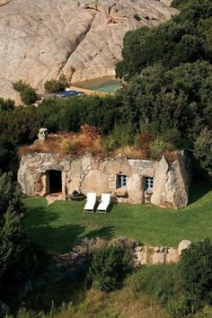 [building] Shepherd's house 'Arba Barona' at Hotel Domaine de Murtoli Sartène Corsica. The Effective Pictures We Offer You About Hotel de lujo A quality picture can tell you many things. You can find Stone Cottages, Cabins And Cottages, Stone Houses, Corsica, Casa Dos Hobbits, Beautiful Homes, Beautiful Places, Beautiful Pictures, Underground Homes