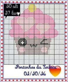 Cupcake Crafts, Pixel Image, Stitch Cartoon, Cross Stitch Tree, Loom Patterns, Loom Beading, Cross Stitch Designs, Plastic Canvas, Cross Stitching