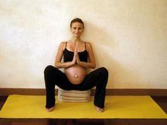 Yoga grossesse : renforcement du périnée - Feminin Bio