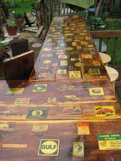 Love this vintage beer labels tiki bar. Would be great look for a table top!