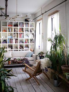 plant-filled williamsburg apartment tour. / sfgirlbybay