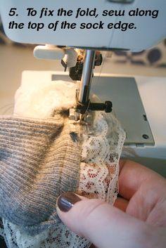 Ruffle lace socks tutorial... so easy!