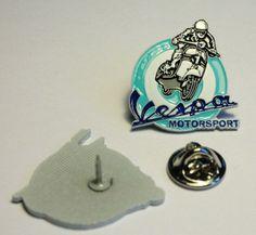 VESPA MOTORSPORT PIN (MBA 460)