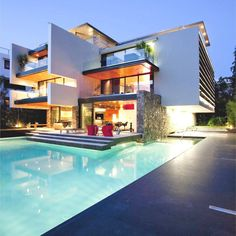 Sumptuous contemporary residence in Greece