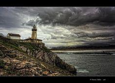 El Faro de Avilés, también llamado Faro de San Juan, está situado en la margen oriental de la entrada de la ría de Avilés, concretamente en la parroquia de Laviana, perteneciente al concejo asturiano de Gozón, en la llamada Punta del Castillo.