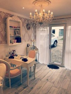 Home Beauty Salon, Home Nail Salon, Nail Salon Design, Nail Salon Decor, Hair Salon Interior, Beauty Salon Decor, Salon Interior Design, Privates Nagelstudio, Makeup Studio Decor