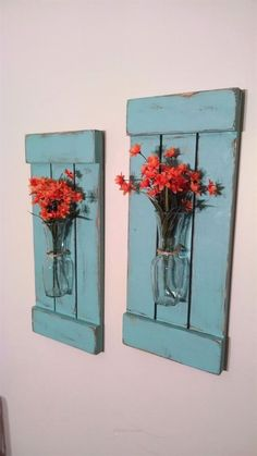 Large Rustic Sconces Shutters with Vase Rustic Shutters Rustic Wall Decor Flower Holders Shabby Chic Sconces Rustic Home Decor Vases by CustomDesignsbyReed on Etsy - April 21 2019 at Baños Shabby Chic, Cocina Shabby Chic, Shabby Chic Bedrooms, Shabby Chic Homes, Shabby Chic Furniture, Shabby Sheek Decor, Rustic Furniture, Cabin Furniture, Retro Home Decor