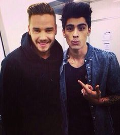 WE GOT A ZIAM SELFIE, I'M CRYING