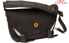 Cocotte Equipment • Fred / Compact Messenger Bag / Olive