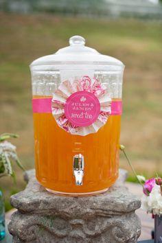 DIY ice tea pitcher - who doesn't love sweet tea?