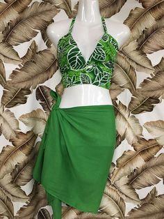 Retro Bikini Top Tropical Vacation Outfits, Tahitian Costumes, Hula, Tahitian Dance, Ethnic Fashion, Costume Design, Bra Sizes, Braided Hairstyles, Bikini Tops