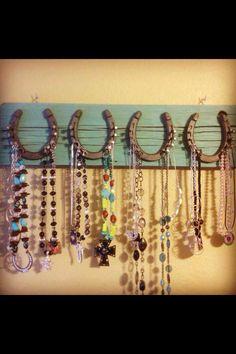 Horseshoes as jewelry holder