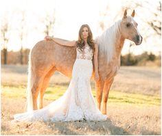 Clay and Bri Anthony Bridal Portrait Poses, Bridal Poses, Bridal Photoshoot, Bridal Shoot, Photoshoot Ideas, Horse Wedding Photos, Bridal Pictures, Wedding Pics, Dream Wedding