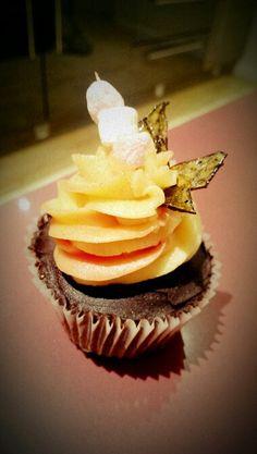 Bonfire cupcake