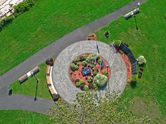 Viet Nam Memorial at Bradley Point in West Haven, CT. Picture was taken from a camera that was hung from a kite line 200 feet in the air. This was the first time I'm using a Canon G6 instead of the Canon S1 IS. Will probably come back next month when Viettel IDC Colocation Dedicated Server Hosting VPS Domain  http://viettelidc.com.vn
