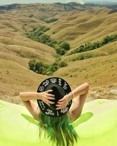#sumba #visitsumba #pulausumba #ExploreSumba #opentripsumba #tripsumba #tukangjalantrip #PesonaIndonesia #WonderfullIndonesia #ExploreNusantara #Liburan #Traveling #Travel #Tour #Tukang_Jalan #tukangjalan #TravelingGram #Indonesia #danauweekuri #kelilingindonesia #purukambera #pantaiwalakiri #bukitwairinding #pantaibwanna #Tarimbangbeah #JalanJalanMen #Vsco #AyoDolan #InstaDaily