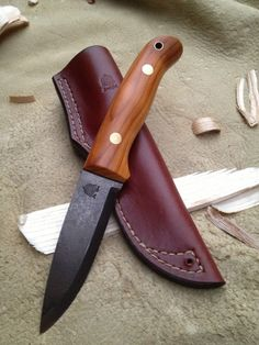 Woodlander 4″ Classic Blade: 4″ Handle: 4.45″ Price: from £260 Choice of 4mm or 3mm steel stock, sheath style and handle material. This knife is ideal for bushcraft and woodcraft …