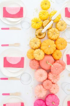 Le Frufrù è uno spazio dedicato alle idee, alle tendenze e alle piccole cose semplici che rendono la vita più rosa. Se sei qui probabilmente sei a caccia di ispirazione per un giorno importante oppure stai cercando lo spunto giusto per un progetto hand made.