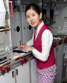 【China】 China Southern Airlines cabin crew / 中国南方航空 客室乗務員 【中国】 China Southern Airlines, Airline Cabin Crew, China China, Coat, Sewing Coat, Peacoats, Coats, Jacket