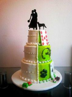 Hochzeitstorte mit Elementen aus dem Leben des Pärchens Desserts, Food, Graz, Cake Shop, Economics, Wedding Cakes, Biscuits, Life, Tailgate Desserts