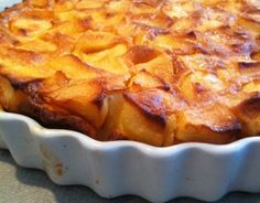 La flognarde aux pommes 750 grams offers you this cooking recipe: Apple flognarde. Apple Desserts, Apple Recipes, Cake Recipes, Dessert Recipes, Apple Pie Cake, French Apple Cake, Pie Dessert, Food Cakes, Quiches