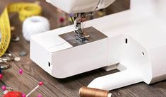 Consejos para no dañar tu máquina de coser - 1000 Cursos Gratis Bare Men, Sewing, Crochet, Frases, Home, Dining Chair Covers, Chic Outfits, Sewing Trim, Sewing Crafts