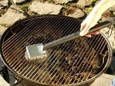 How to Restore Your Cast Iron Grill Grates How To Clean Bbq, How To Clean Rust, How To Remove Rust, Clean Grill Grates, Best Charcoal Grill, Grill Brush, Cast Iron Grill, Grilling Tips, Bbq Grill
