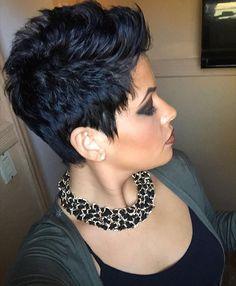 Sideburns for the shorter side - Kurzhaarfrisuren Short Sassy Hair, Short Hair Cuts For Women, Love Hair, Great Hair, Short Pixie Haircuts, Hair Affair, Funky Hairstyles, Fishtail Hairstyles, Hair Today