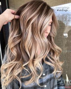 Balayage Hair Colors and Highlights to Show in 2019 Blonde Hair With Highlights, Balayage Hair Blonde, Brunette Hair, Caramel Hair With Blonde Highlights, Balayage Hair Brunette With Blonde, Baliage Hair, Full Balayage, Honey Highlights, Blonde Honey